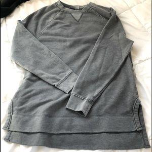 Universal Threads sweat shirt